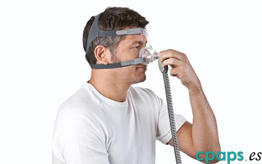 Máscara Mirage FX para CPAP de Resmed en persona