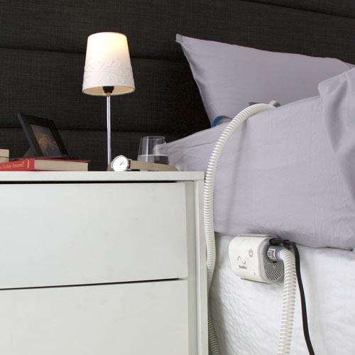 Sujeción para CPAP AirMini en cama 38842